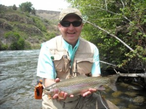 don hurley trout dechutes may 2010 b.jpg.opt432x324o0,0s432x324