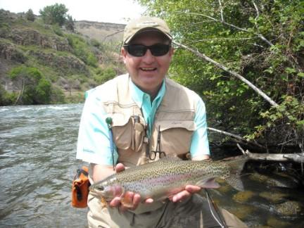 don hurley trout dechutes may 2010 b.jpg.opt432x324o0,0s432x324
